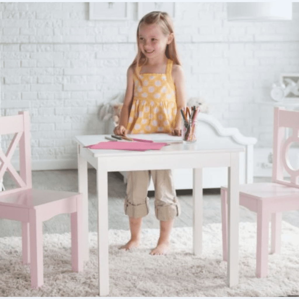 lipper hugs and kisses table & chair set